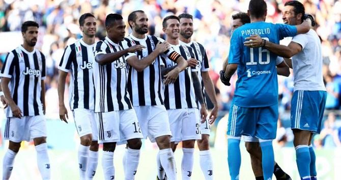 «Ювентус» - «Лацио»: кто выиграет первый трофей сезона?