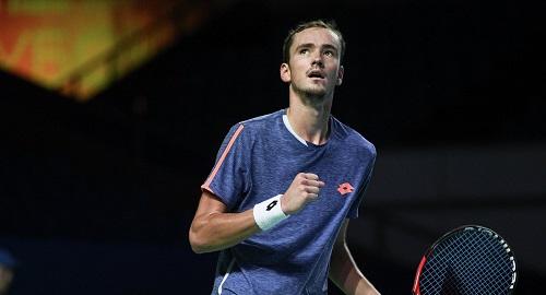 Фоньини - Медведев: сможет ли Даниил начать с победы?