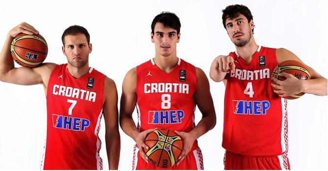 Букмекеры не считают Россию фаворитом в 1/8 финала Евробаскета-2017.