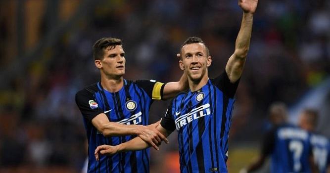 «Интер» одержал четвёртую победу подряд вчемпионате Италии, обыграв «Кротоне»