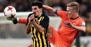 «Милан» победил «Риеку» вматче Лиги Европы благодаря позднему голу Кутроне