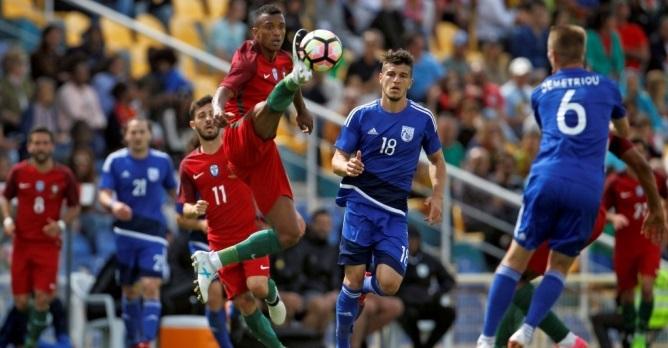 Греция одолела  Кипр иподнялась на 2-ое  место