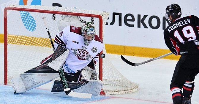 «Торпедо» переиграло рижское «Динамо» вматче постоянного чемпионата КХЛ