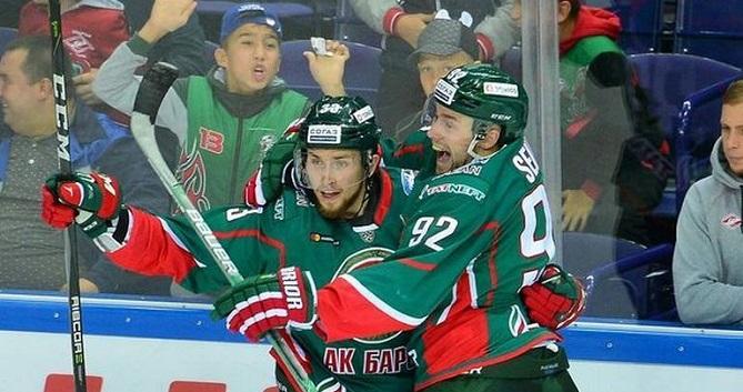 «Автомобилист» обыграл «АкБарс» всерии буллитов вматче чемпионата КХЛ