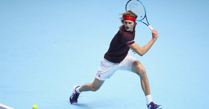 Федерер победил Зверева вматче Итогового турнира ATP